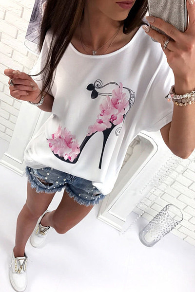 Scoop Neck  Loose Fitting  Floral Printed T-Shirts