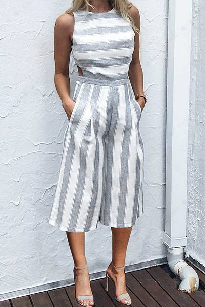 Round Neck  Cutout  Striped  Sleeveless Jumpsuits