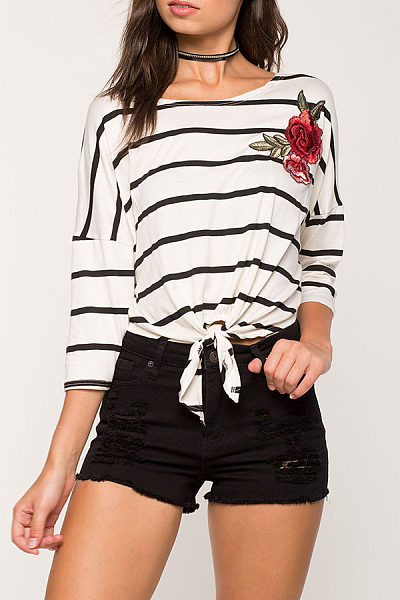 Round Neck  Embroidery Striped T-Shirts