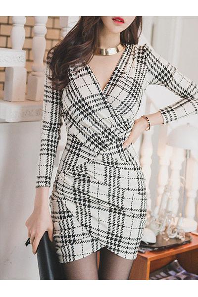 Surplice  Asymmetric Hem  Curved Hem  Asymmetric Stripe Plaid Bodycon Dresses