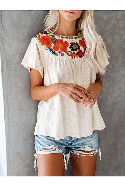 Fashionable Round Neck Printed T-Shirt