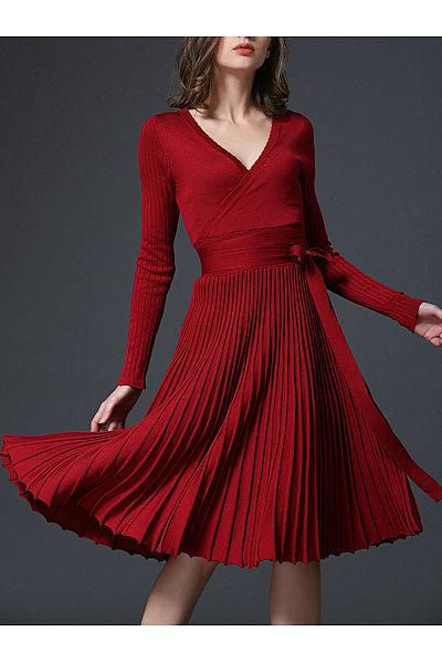 Deep V-Neck Bowknot Plain Knitted Pleated Skater Dress