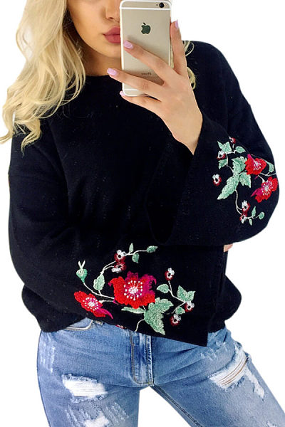 Round Neck  Embroidery  Bell Sleeve Sweaters