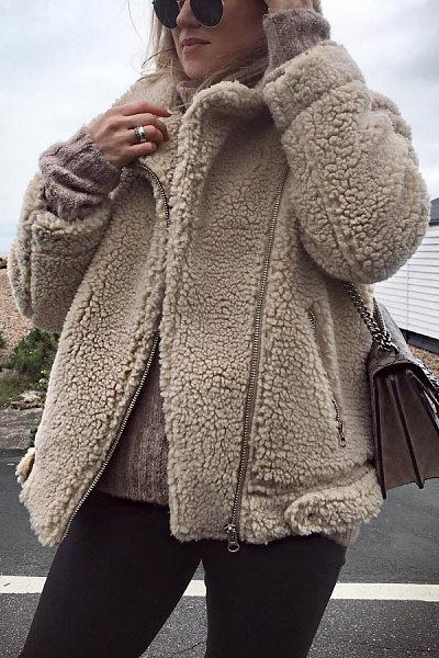 A Lapel Plain Zips Jacket