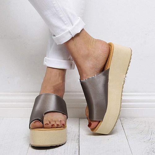 Women's toe wedge slippers
