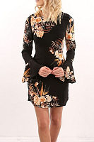 Round Neck  Floral Printed  Bell Sleeve  Long Sleeve Casual Dresses