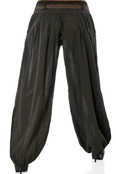 Fashionable high-waisted jeans