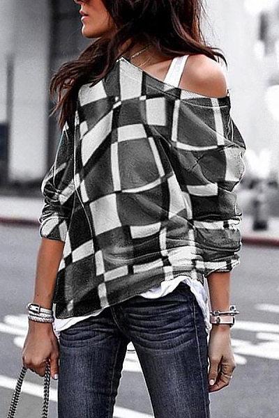 Loose Fitting Round Collar Printed Plaid T-Shirt