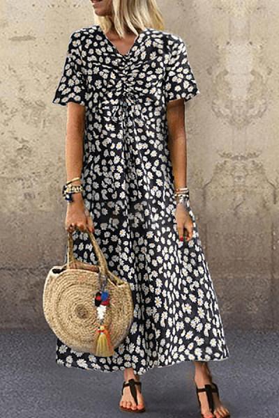 V-neck daisy print dress