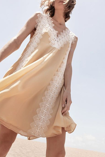 V-Neck  Decorative Lace  Plain  Decorative Lace Casual Dresses