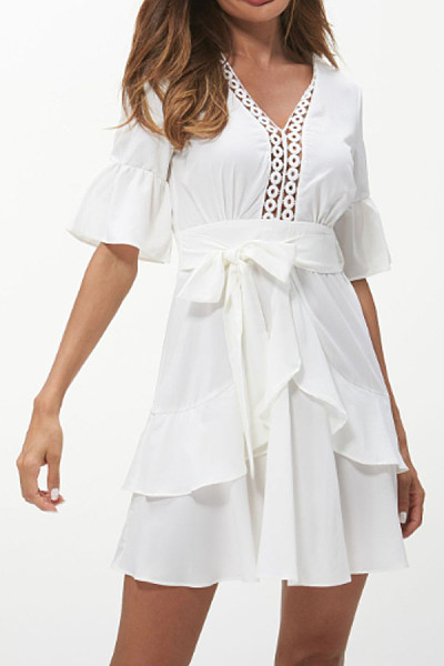 V Neck  Decorative Lace  Plain  Half Sleeve Skater Dresses