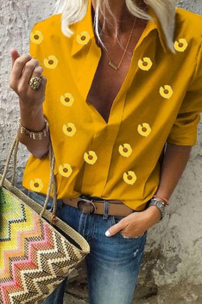 A Lapel Long Sleeve Daisy Printed Blouse