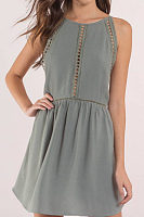 Round Neck  Backless  Hollow Out Plain  Sleeveless Casual Dresses