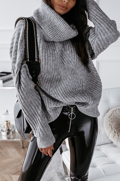 Women's classic solid color turtleneck sweater