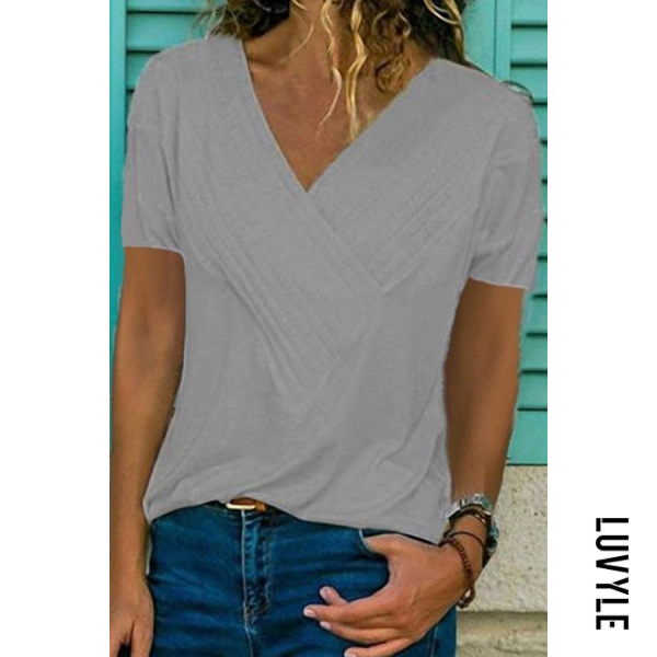 Gray Slim-Fit Stitching V-Neck Short-Sleeved Solid Color T-Shirt Gray Slim-Fit Stitching V-Neck Short-Sleeved Solid Color T-Shirt