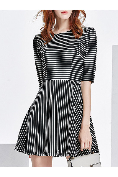 Round Neck  Striped  Cotton Shift Dresses