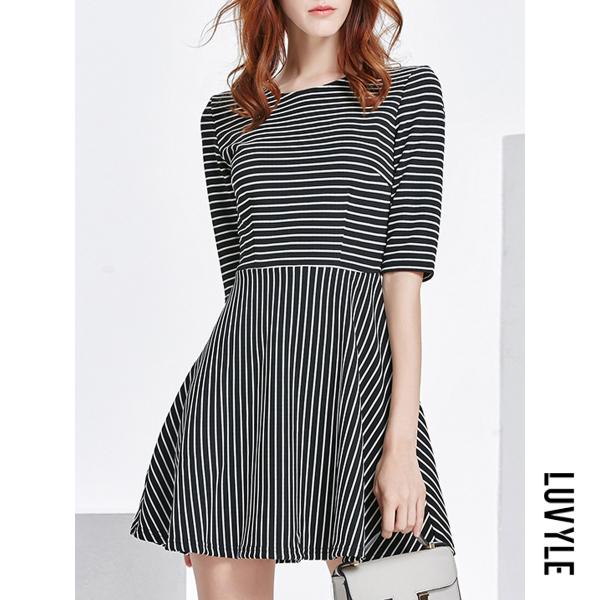 Black Round Neck Striped Cotton Shift Dresses Black Round Neck Striped Cotton Shift Dresses