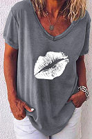 Casual V-neck Lip Print T-shirt