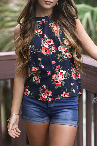 Print Sleeveless Shirt