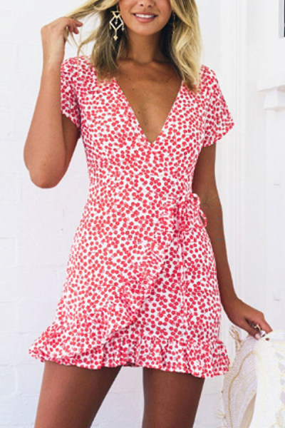 Deep V Neck  Asymmetric Hem  Belt Loops  Print  Short Sleeve Bodycon Dresses