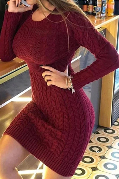 Round neck long sleeve solid color knit dress