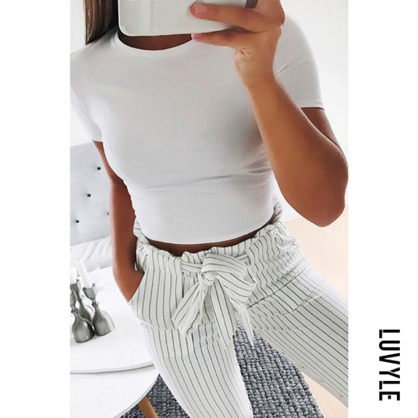 White Round Neck Exposed Navel Plain T-Shirts White Round Neck Exposed Navel Plain T-Shirts