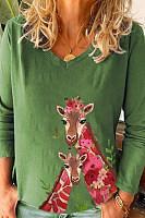 Giraffe Printed V Neck Loose T-shirt
