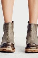 Basic Round Toe  Plain Boots