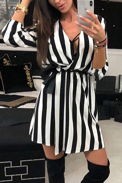 Sexy V Neck Stripes Printed Casual Dress