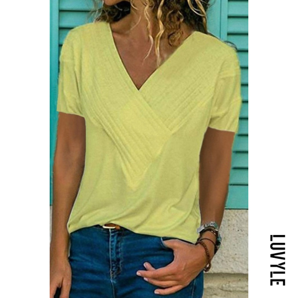 Yellow Slim-Fit Stitching V-Neck Short-Sleeved Solid Color T-Shirt Yellow Slim-Fit Stitching V-Neck Short-Sleeved Solid Color T-Shirt