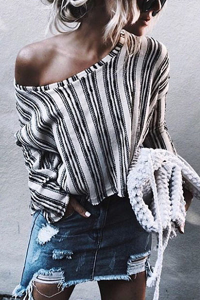 Round Neck  Striped  Bell Sleeve  Blouses