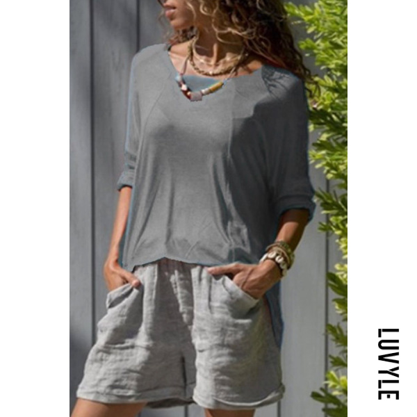 Gray Round Neck Loose Fitting T-Shirts Gray Round Neck Loose Fitting T-Shirts